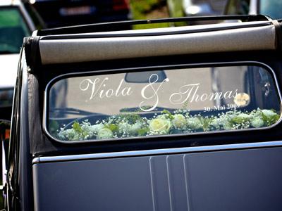 Autoaufkleber für das Hochzeitsauto mit Namen und Datum