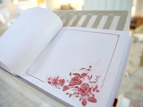Gästebuch zur Hochzeit mit Rosen